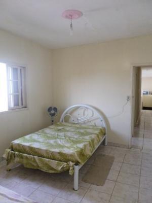 casa barata com 2 quartos na praia de itanhaém.