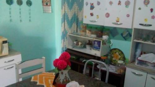 casa barata, em itanhaém! com 02 quartos. visite!