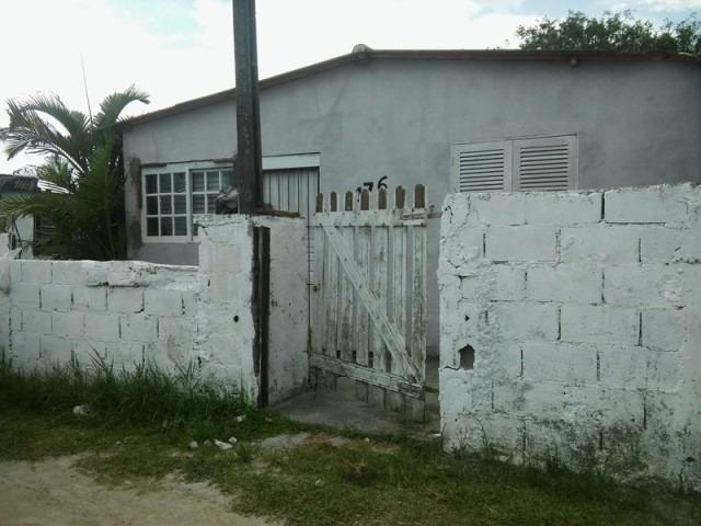 casa barata na praia, 2 quartos, lote de 350m, a 1 km do mar