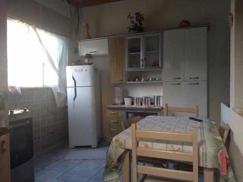 casa barata na praia com 2 quartos, e bairro de moradores.