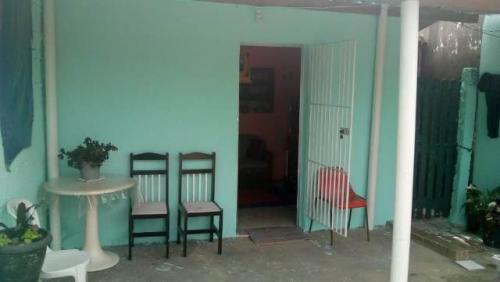 casa barata, na praia de itanhaém! 02 quartos. visite!