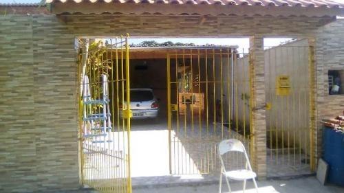 casa barata perto de centro comercial na praia de itanhaém.