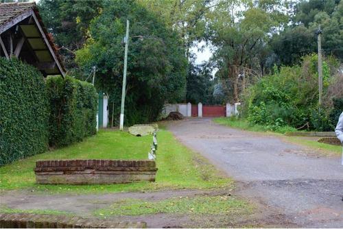 casa barrio abierto. estilo campo. green hill