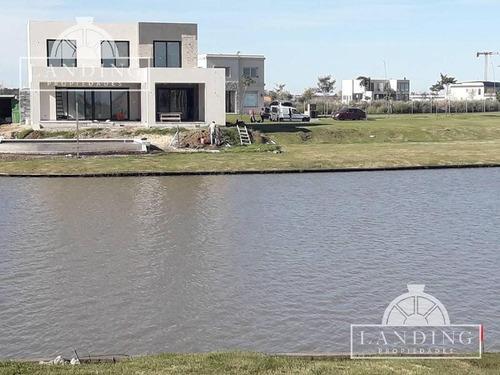 casa - barrio cerrado ceibos - puertos del lago, a la laguna.