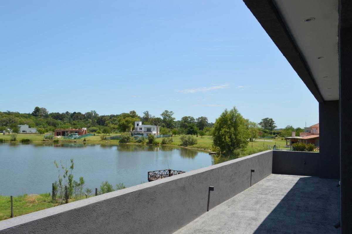 casa barrio el cantón norte con vista al lago y pileta