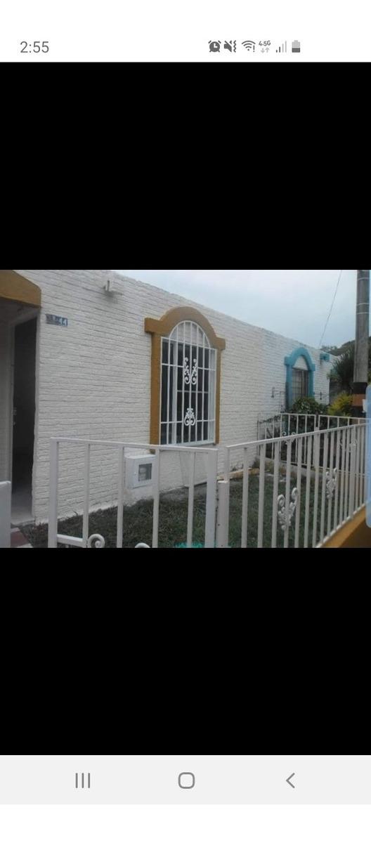 casa barrio en la villa 3 habitaciones 2 baños