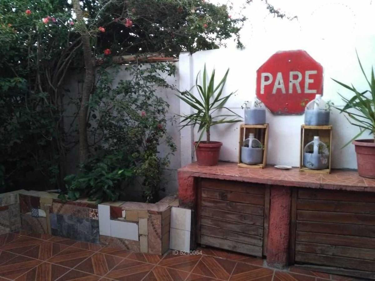 casa barrio los castaños / los heroes /