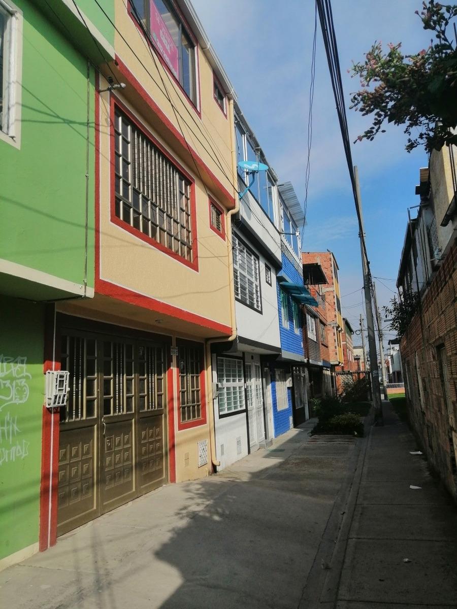 casa barrio muzu, bogotá, 3 habitaciones, 2 baños, parqueade