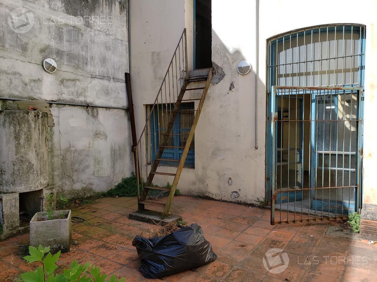 casa - barrio sur - amplio, ideal empresa o institución!!
