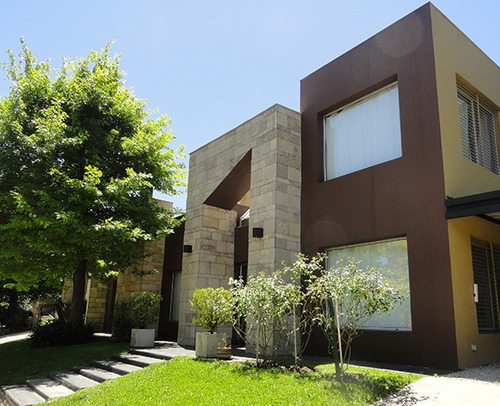 casa barrio villa olivos