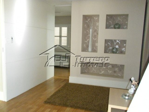 casa belíssima em condominio de alto padrão