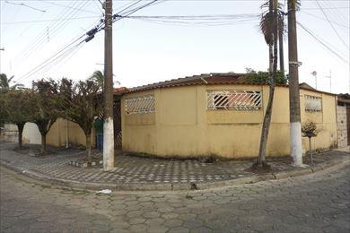 casa bem localizada em mongaguá- c5060
