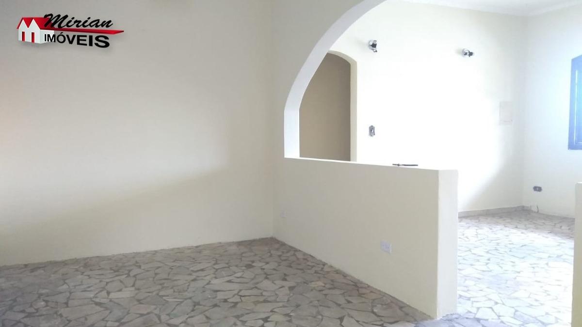 casa bem localizada próximo ao centro 2 dormitórios sendo 1 suite ,sala 2 ambientes, cozinha,wc e edicula com dormitório e wc. garagem 2 autos r$230.000 venha fazer uma visita com - ca01045 - 33618791