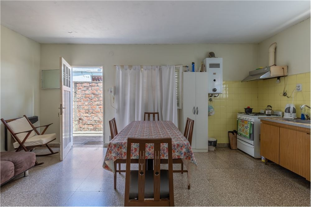 casa - berisso - venta -162 norte e/15 y 16