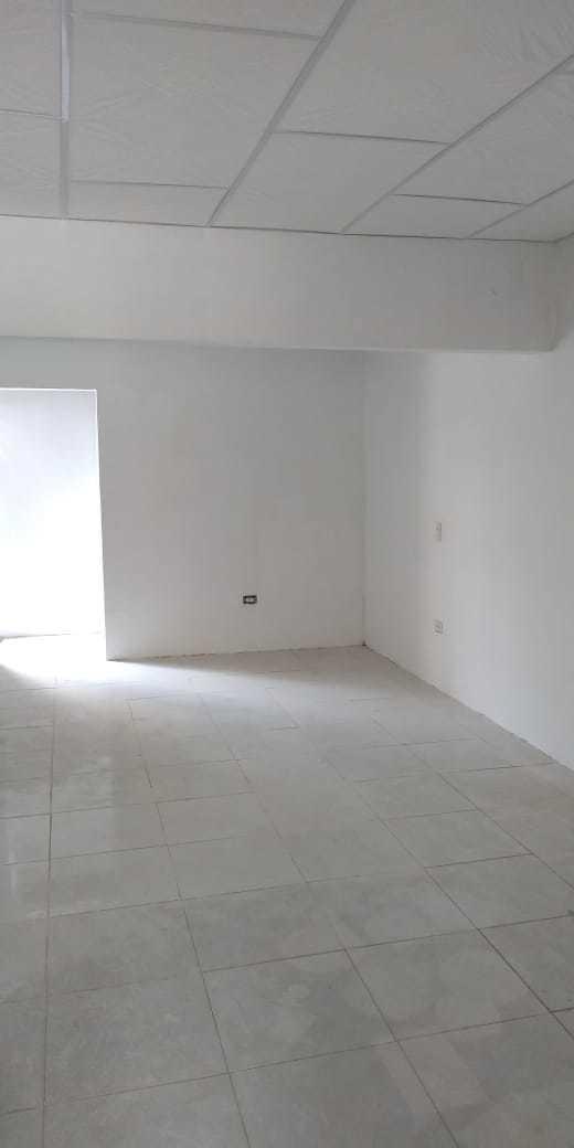 casa bonita bien ubicada 3 abitaciones baño enchapado,pisos