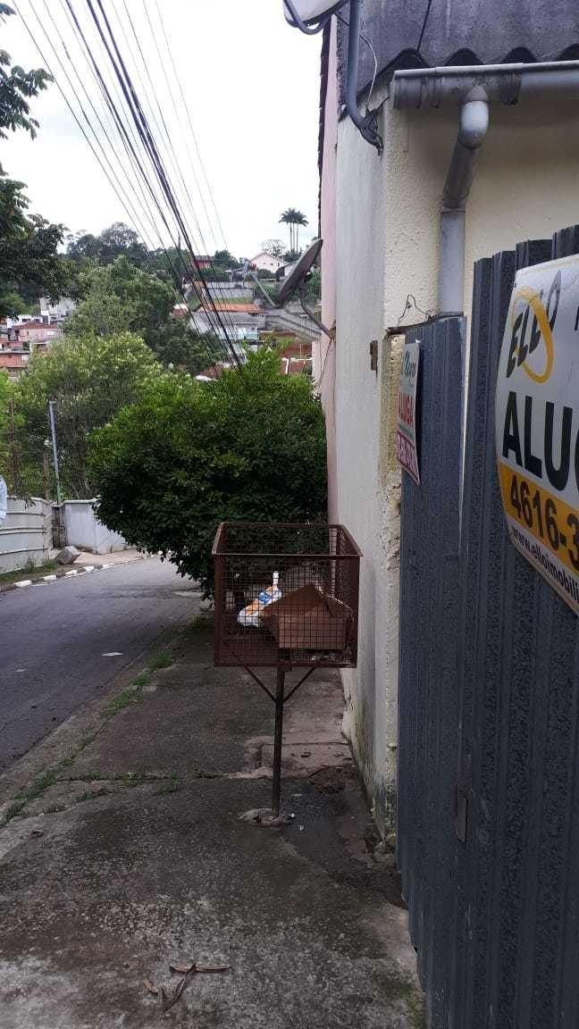 casa c/ 02 vg garagem, local alto há 02 ruas da granja viana