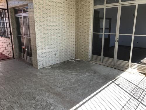 casa c/ 4 quartos na r. dr. moacyr rabelo leite