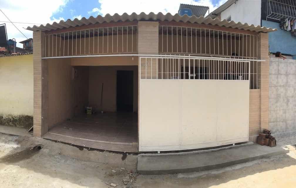 casa c/ garagem 02 quartos no alto da bondade