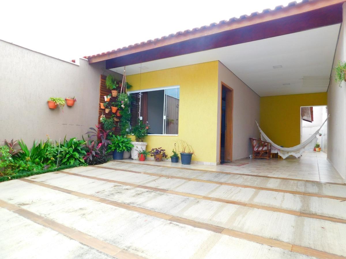 casa c/ ótima localização a venda na praia de peruíbe