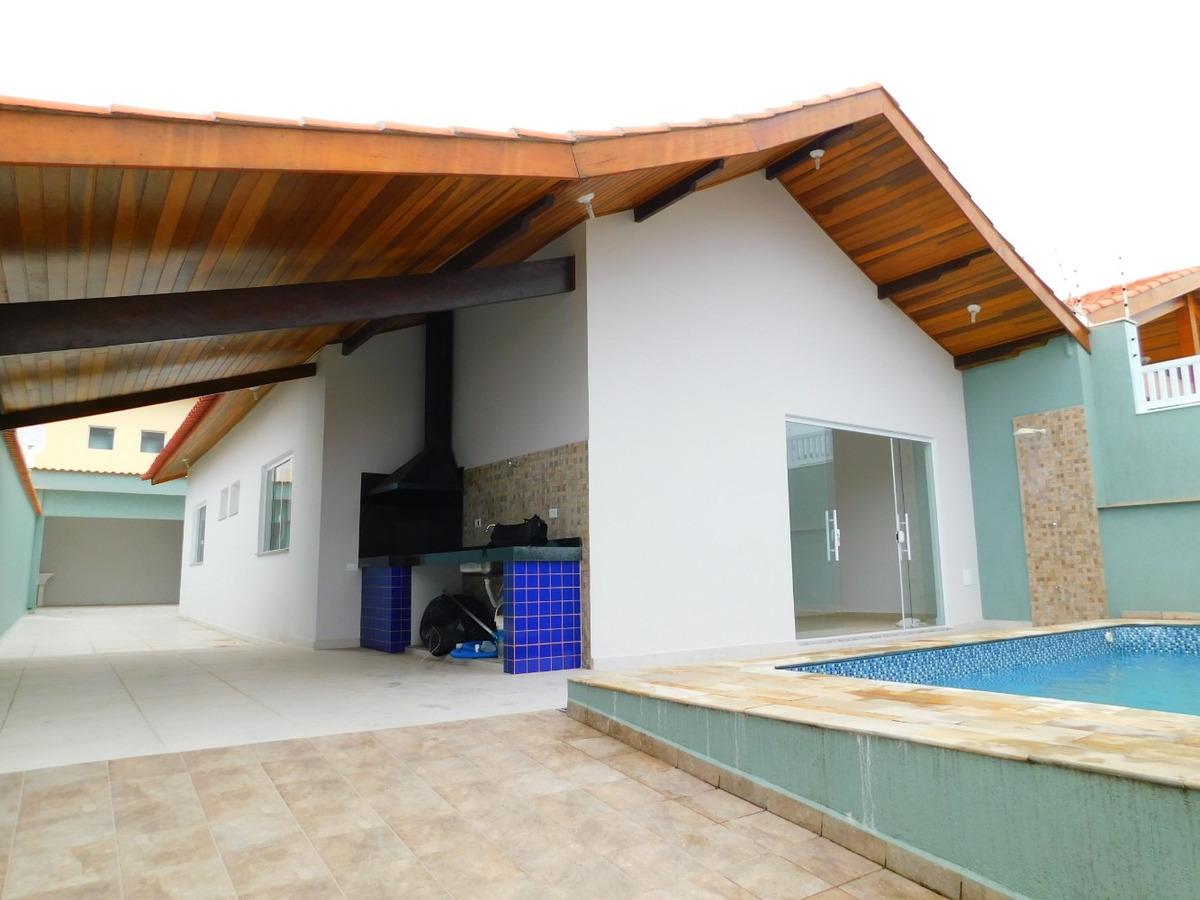 casa c/ piscina e edícula a venda na praia de peruíbe.