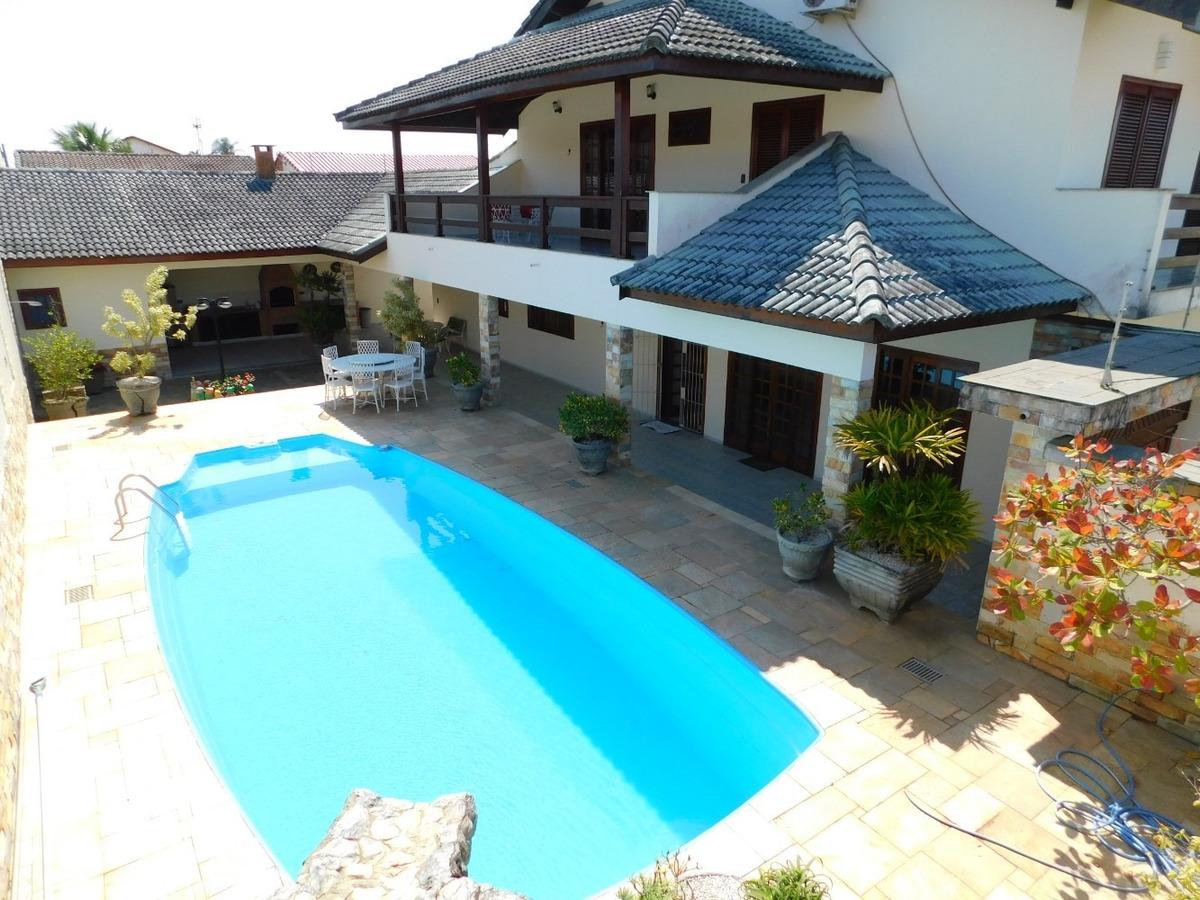 casa c/ piscina p/a locação definitiva na praia de peruíbe