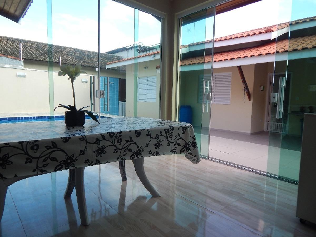 casa c/ piscina próxima centro a venda na praia de peruíbe