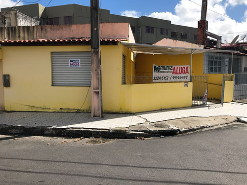 casa c/ ponto comercial na rua rafael de aguiar