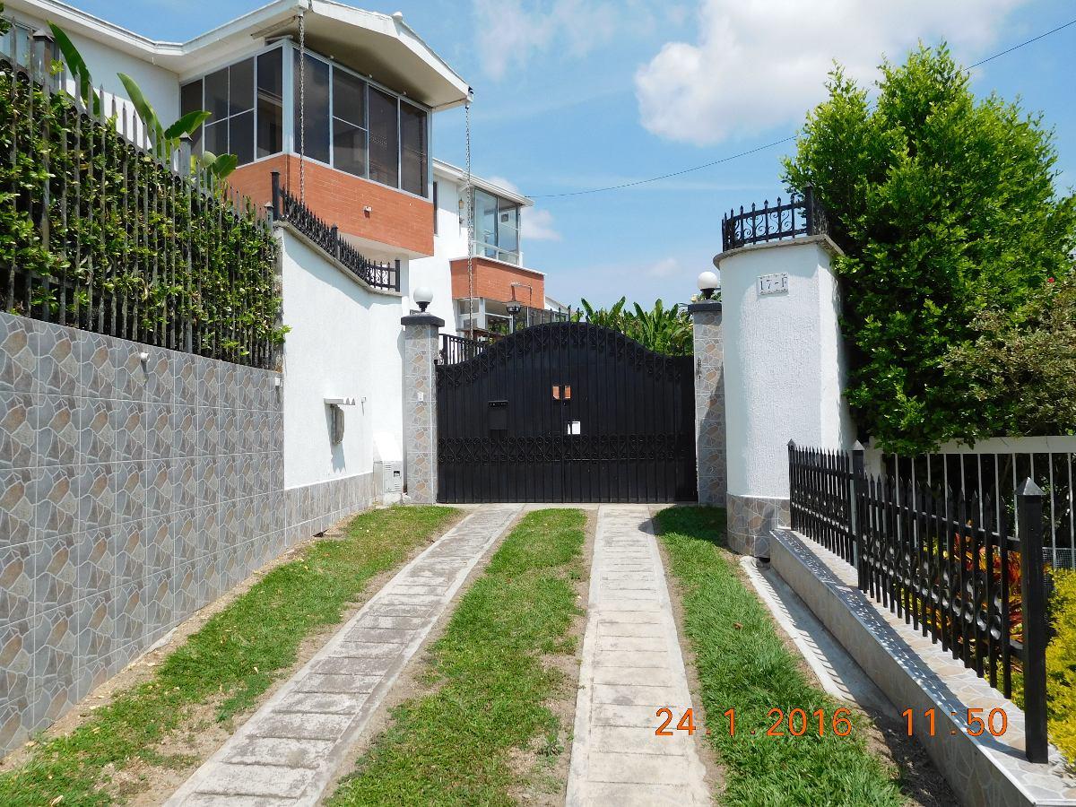 casa campestre 6 alcobas lote 1311 m2 c. zinamayca