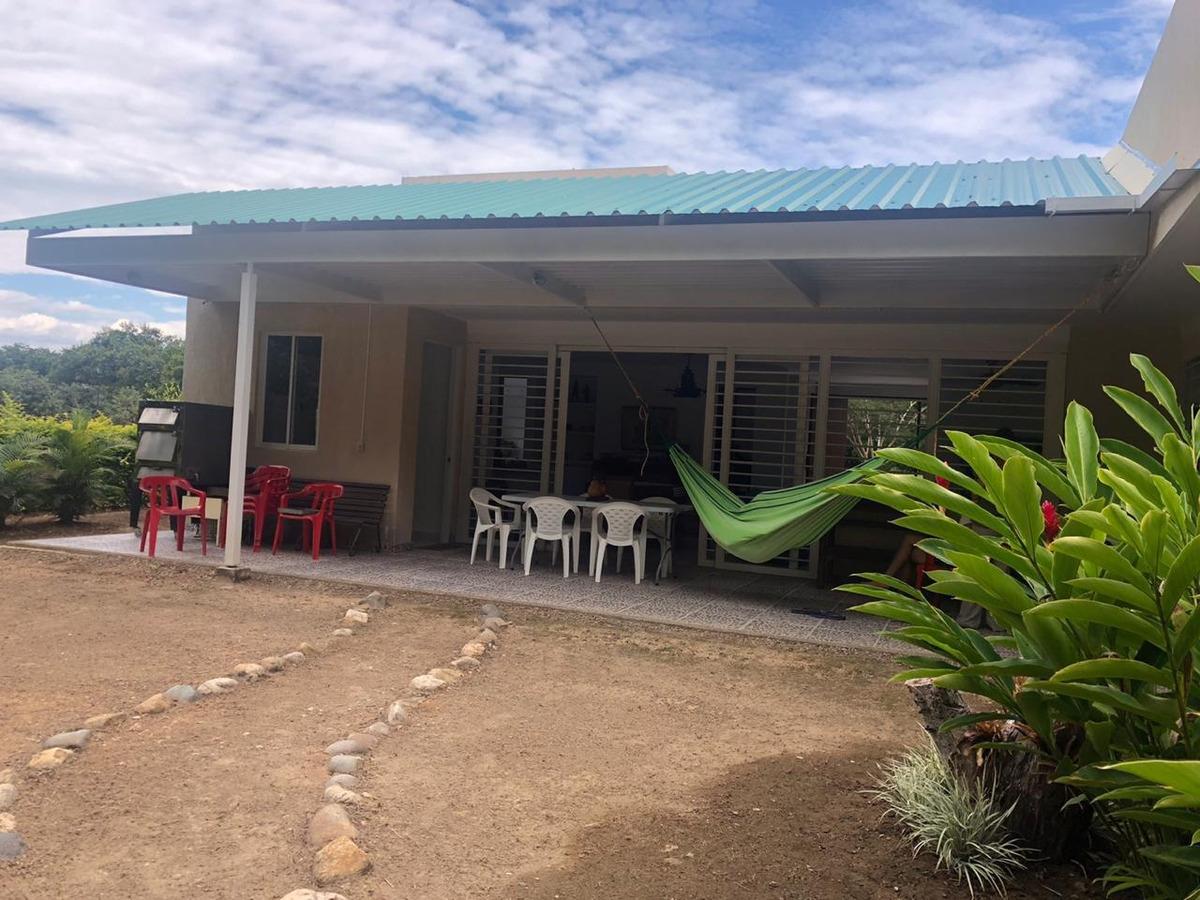 casa campestre via caguán rivera - huila