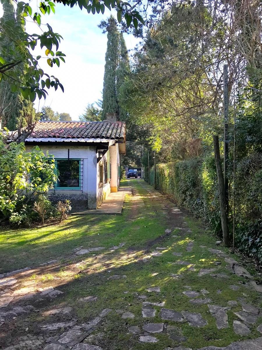 casa- casa quinta con pileta en zona muy tranquila