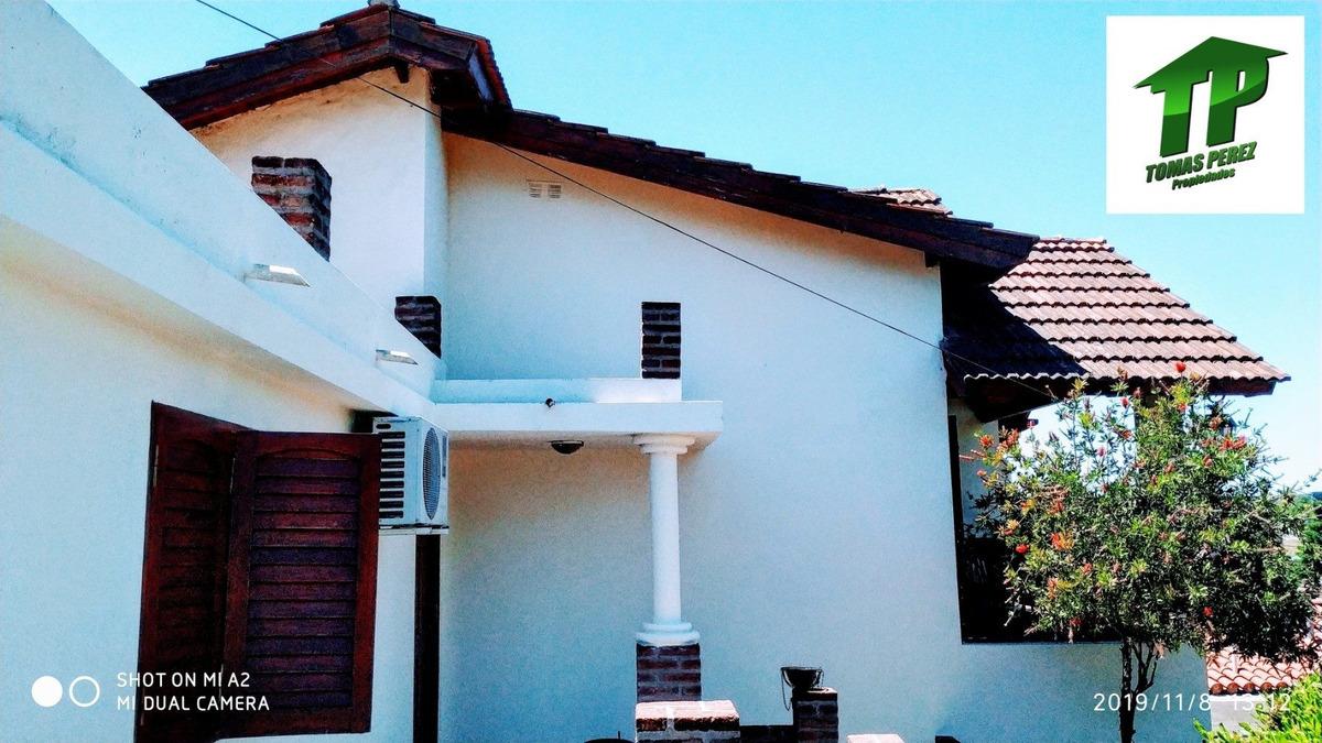 casa centrica a 5 cuadras del lago de embalse de calamuchita