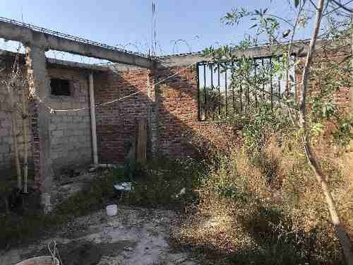 casa céntrica en venta en obra gris ubicada en la colonia constelación, por centro cívico de qro