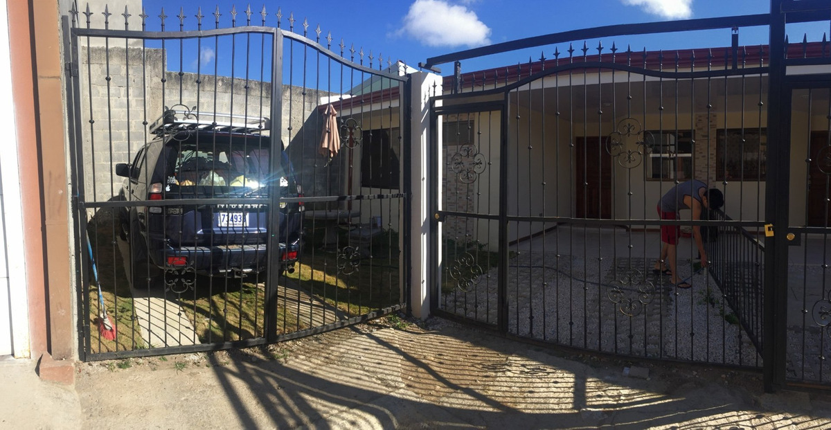 casa cerca del covao 3 cuartos 2 garajes