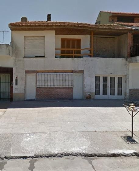 casa c/garage , fondo c/ pileta y quincho, departamento y lo