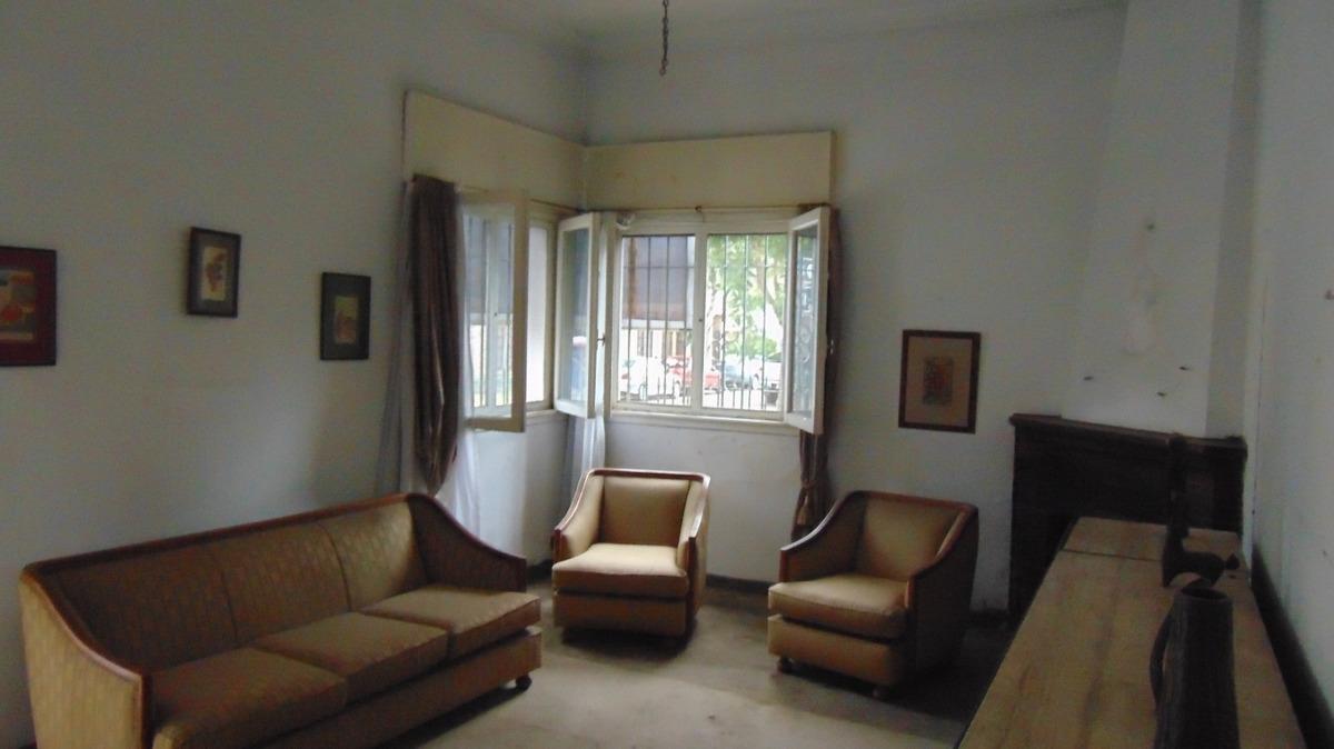 casa chalet 4 ambientes jardín fondo cochera terreno propio