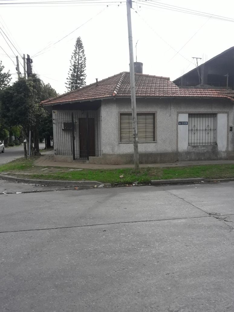 casa chalet c/ 2 dorm. patio terraza y galpón o guardilla