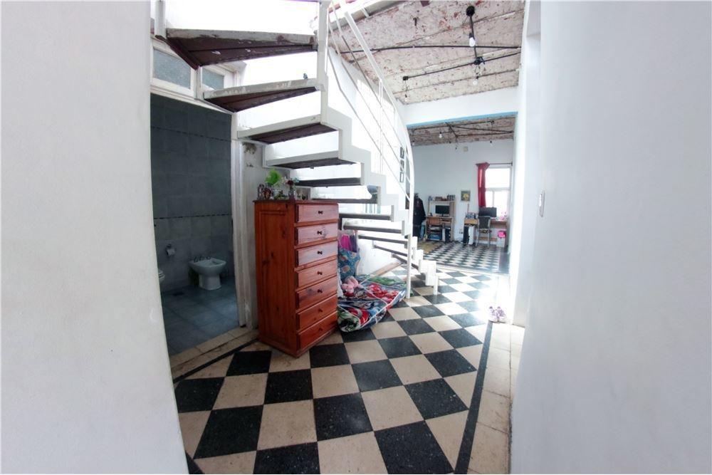 casa chalet de 4 ambientes reciclado c/cochera