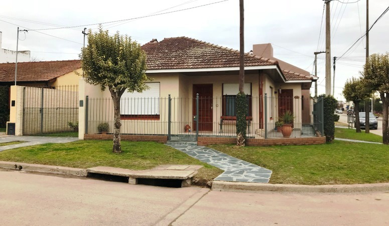 casa - chalet en venta en balcarce