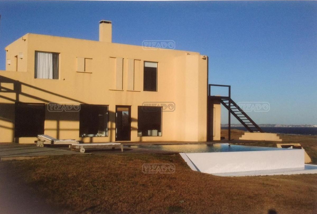 casa chalet  en venta ubicado en solanas, punta del este