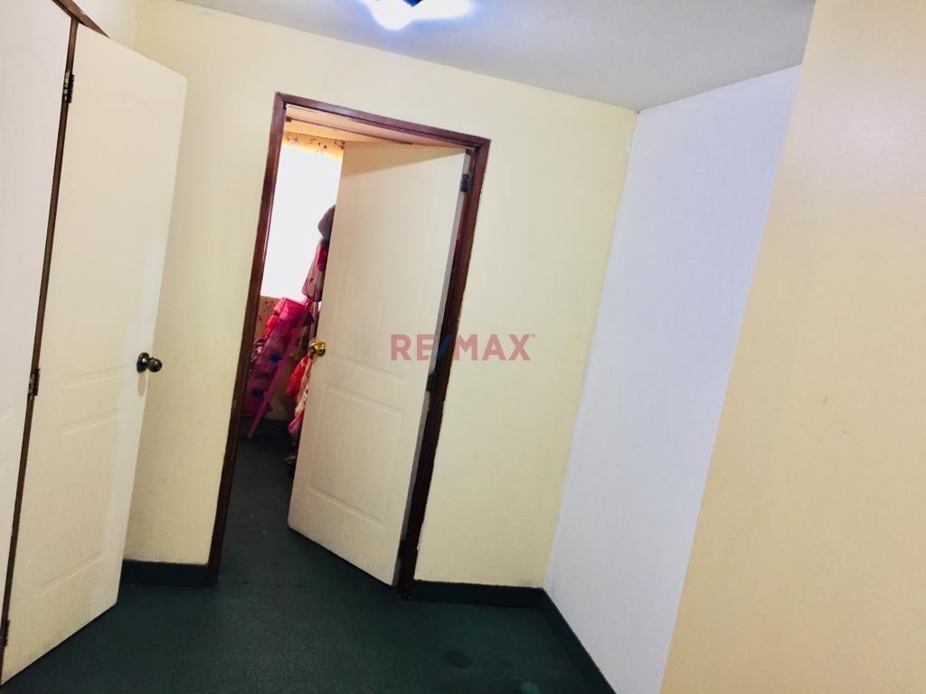 casa (challet) en condominio puerta hierro.