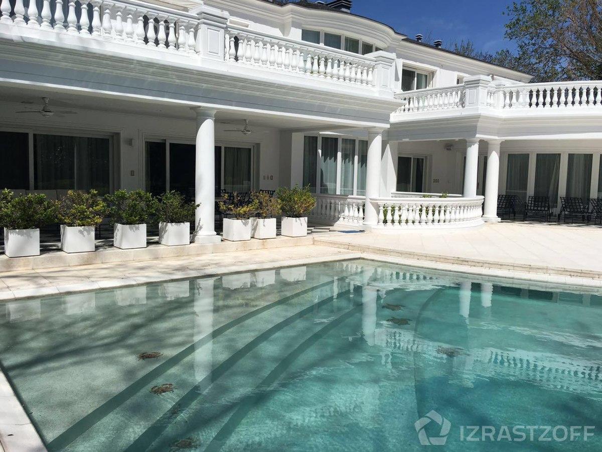 casa clásica  y con gran diseño