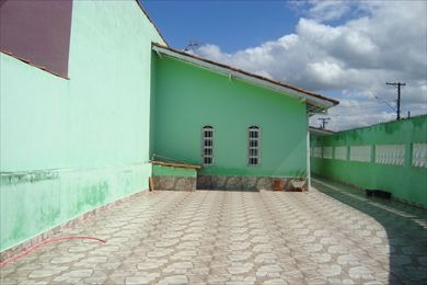 casa com 01 dormitório em mongaguá. 1946 c