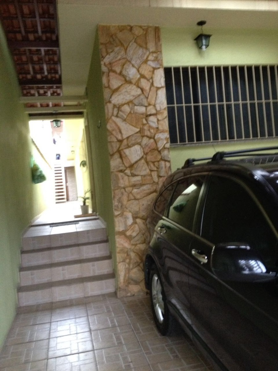 casa com 02 dormitórios, sala,cozinha e 02 wc. duas vaga