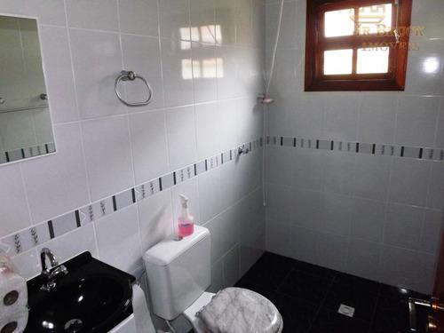 casa com 02 suítes, 03 banheiros, 02 vagas de garagem. com churrasqueira, área de serviço na vila caiçara - praia grande - codigo: ca0018 - ca0018
