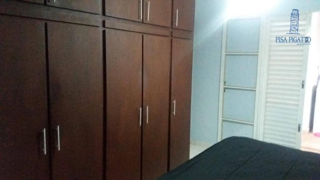 casa com 03 dorm, sendo 01 suite, ármarios planejados em ótima localização. - ca2091