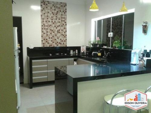 casa com 03 dormitórios condomínio lagos d icaraí salto sp