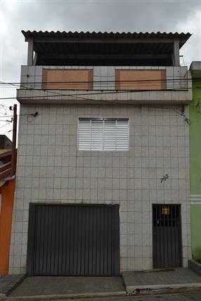 casa com 03 dormitórios e 1 vaga e terraço