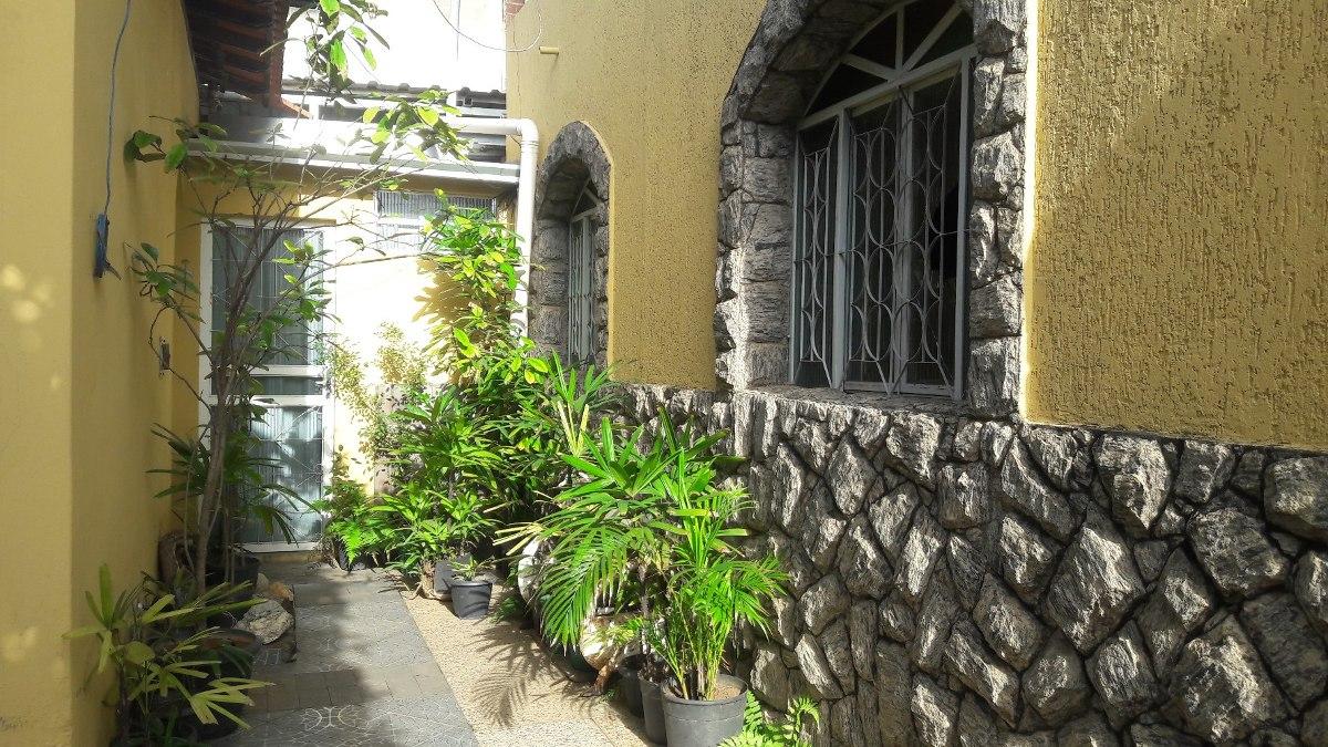 casa com 03 quartos com suite bom jardim