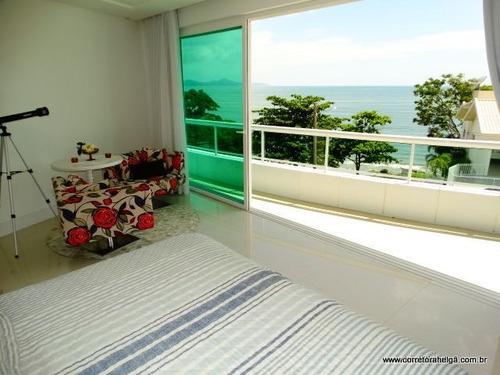 casa com 05 suites com vista total para o mar em porto belo