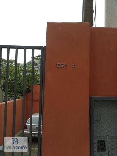 casa com 1 dormitório e 1 vaga com 35m² para locação, são francisco, curitiba. - ca0080
